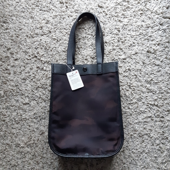 Lululemon Now and Always Tote mini size 8L